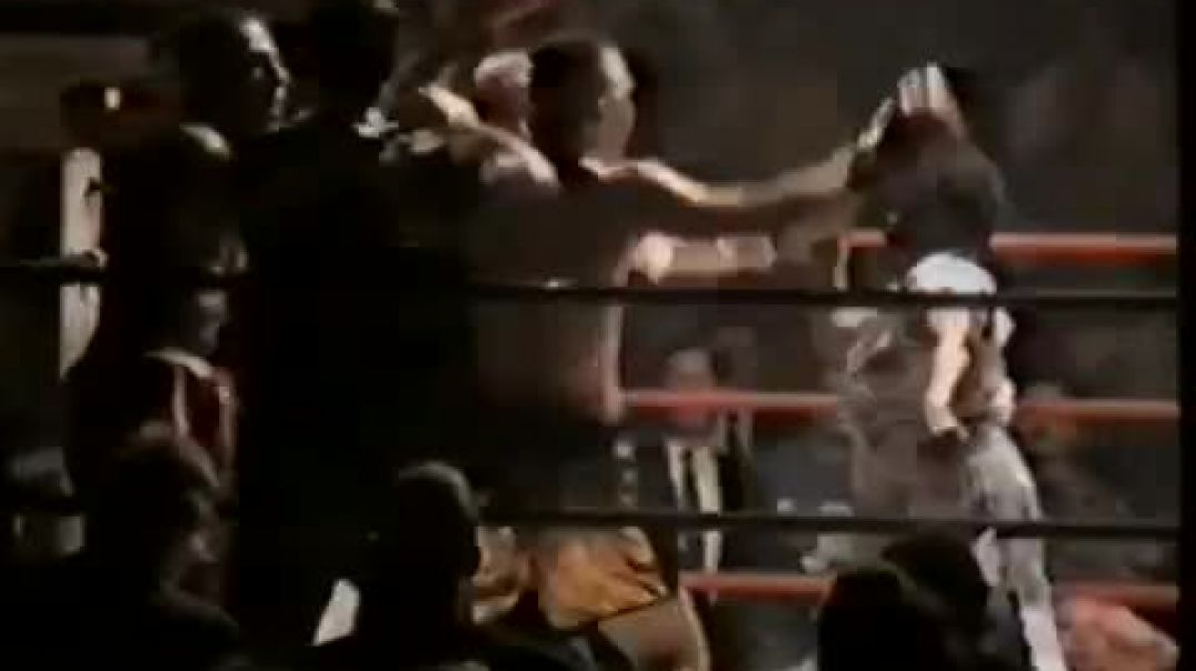 Boxer's Mom Jumps in the Ring to Fight