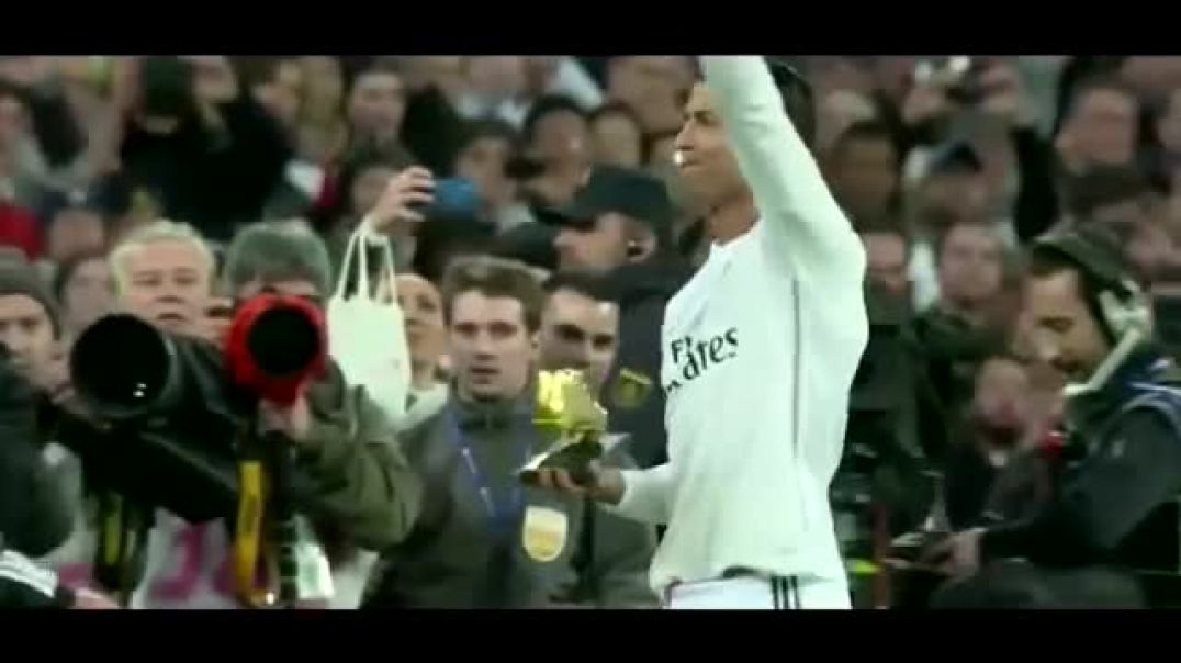 Why C. Ronaldo is better than Messi