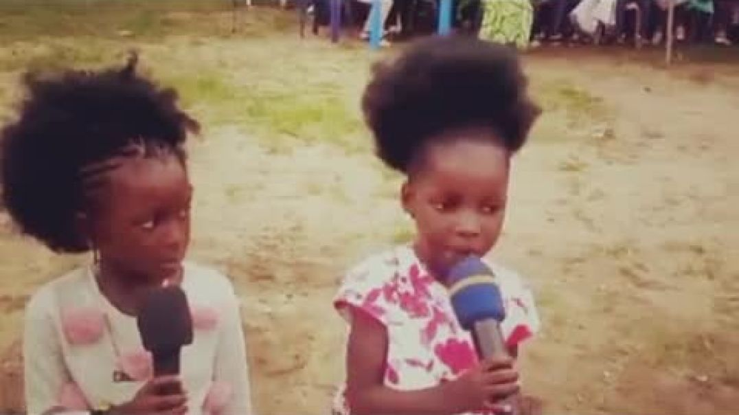 "WATCH THIS TWO KIDS SING ""NARA NARA"""