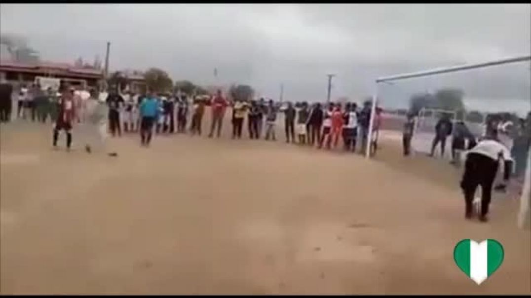 FUNNY PENALTY, GOALKEEPER CAUGHT THE BALL AND IMMEDIATELY KICKS THE BALL IN THE NET